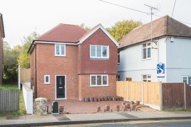 3 Bedrooms Detached House for sale in Blean