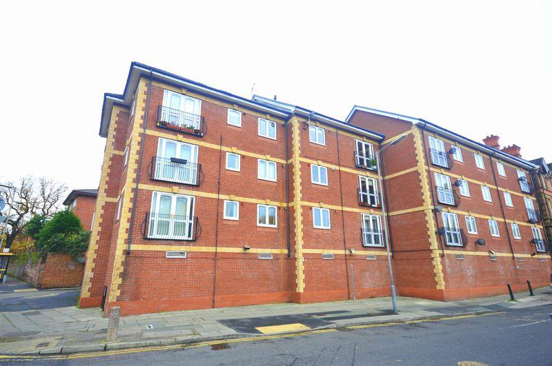 2 Bedrooms Apartment Flat for sale in Bishops Court, Aigburth Road, Aigburth