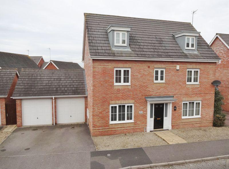 5 Bedrooms Detached House for sale in Rochester Road, Oakley Vale, Corby