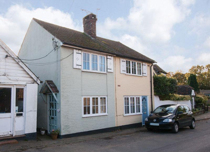 2 Bedrooms Semi Detached House for sale in Mill End, Henfield