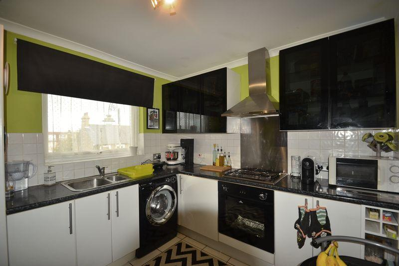 1 Bedroom Apartment Flat for sale in Dagenham