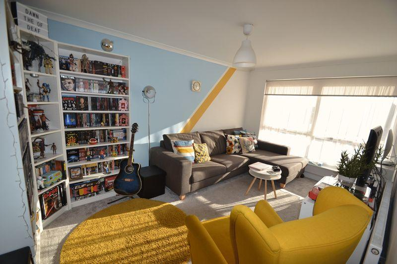 1 Bedroom Apartment Flat for sale in Dagenham