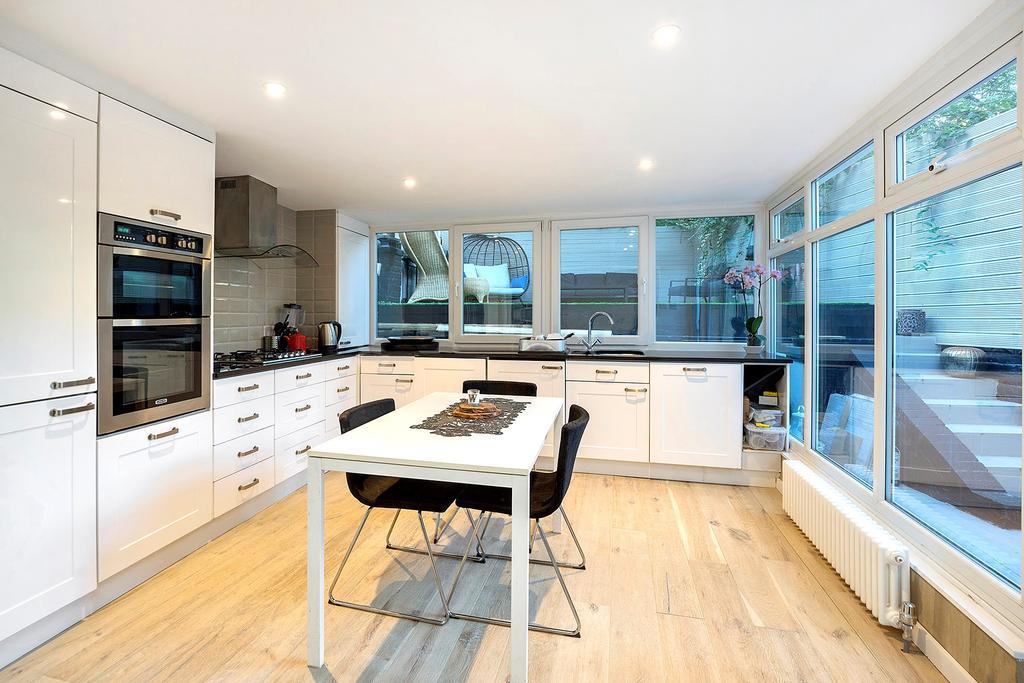 2 Bedrooms Flat for sale in Greville Road, London