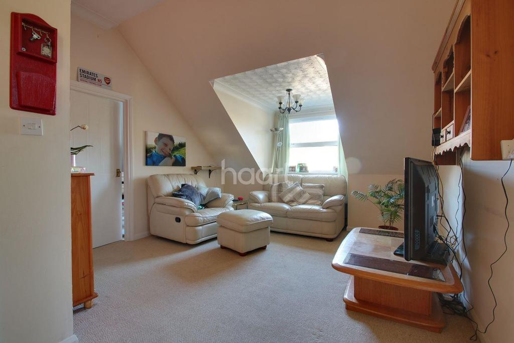 3 Bedrooms Flat for sale in Lower Erith Road, Torquay