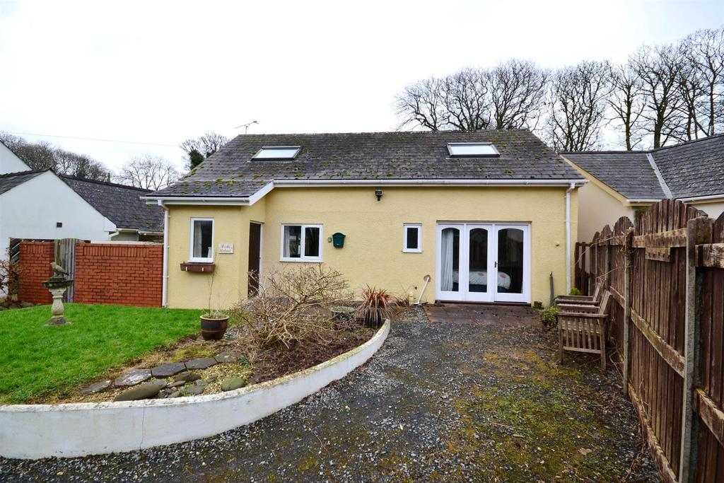 4 Bedrooms Detached House for sale in Church View, Hodgeston, Pembroke