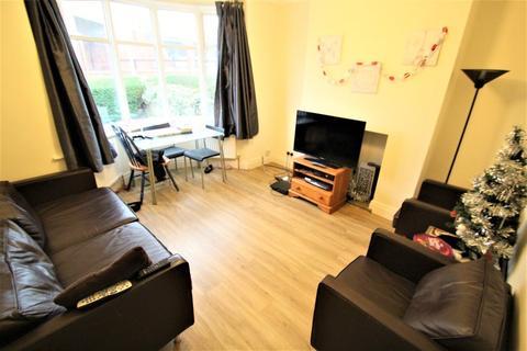 4 bedroom semi-detached house to rent - St Michaels Lane, Headingley, LS6 3BR