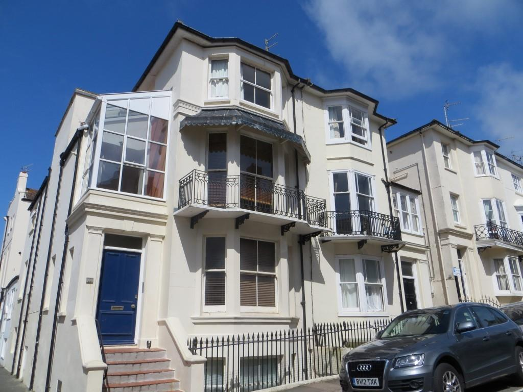 2 Bedrooms Flat for rent in Bedford Place, Brighton
