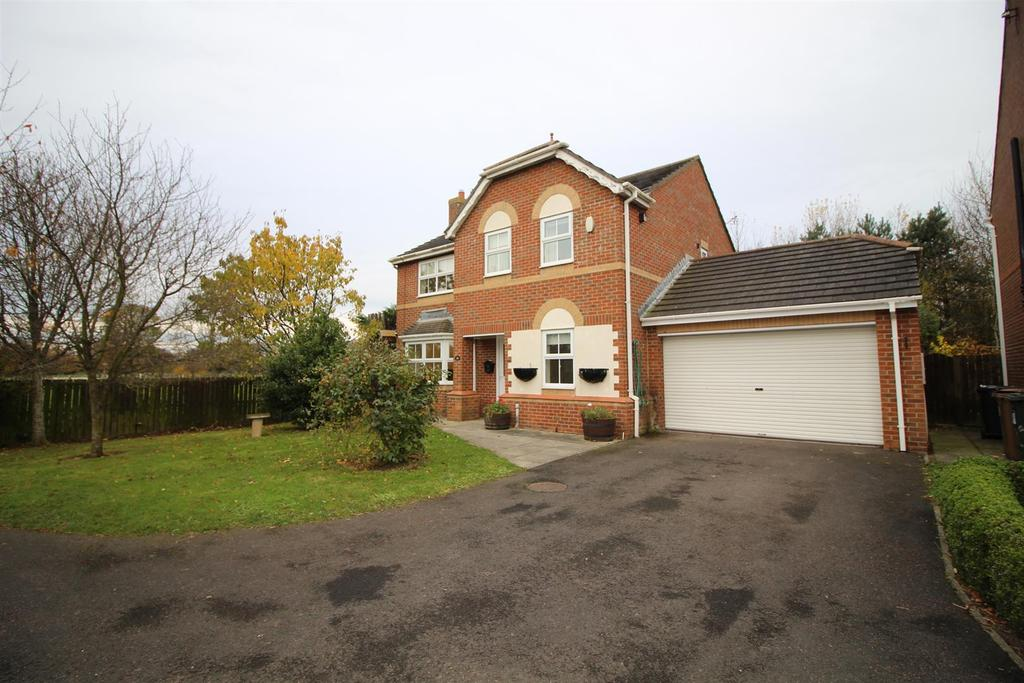 4 Bedrooms Detached House for sale in Monks Wood, North Shields