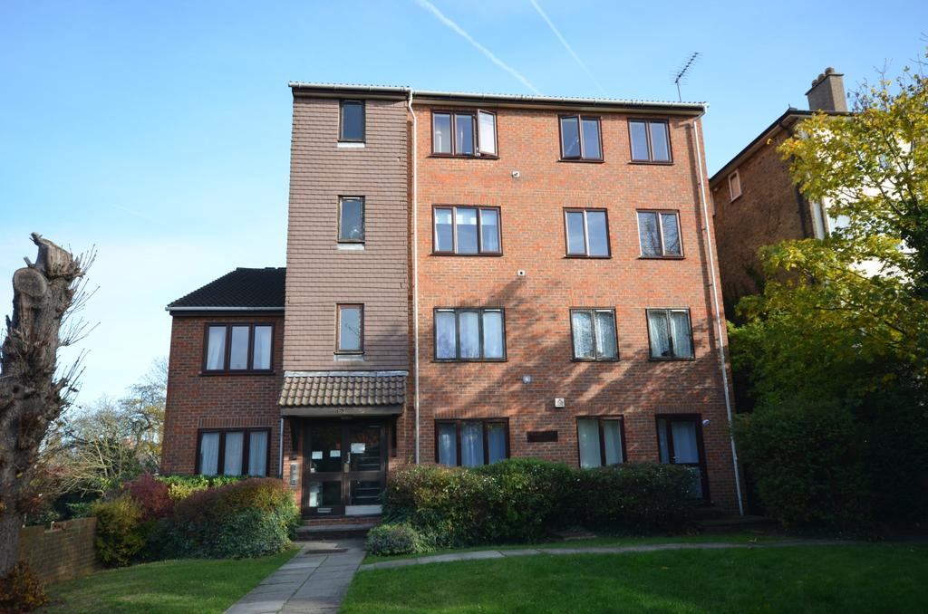 1 Bedroom Flat for sale in Burnt Ash Hill Lee SE12