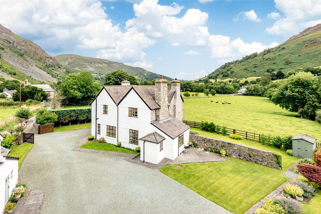 6 Bedrooms Detached House for sale in Llangynog, Oswestry, Powys