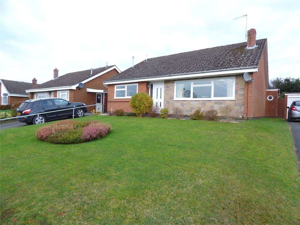 3 Bedrooms Detached Bungalow for sale in Pentrosfa Road, Llandrindod Wells, Powys