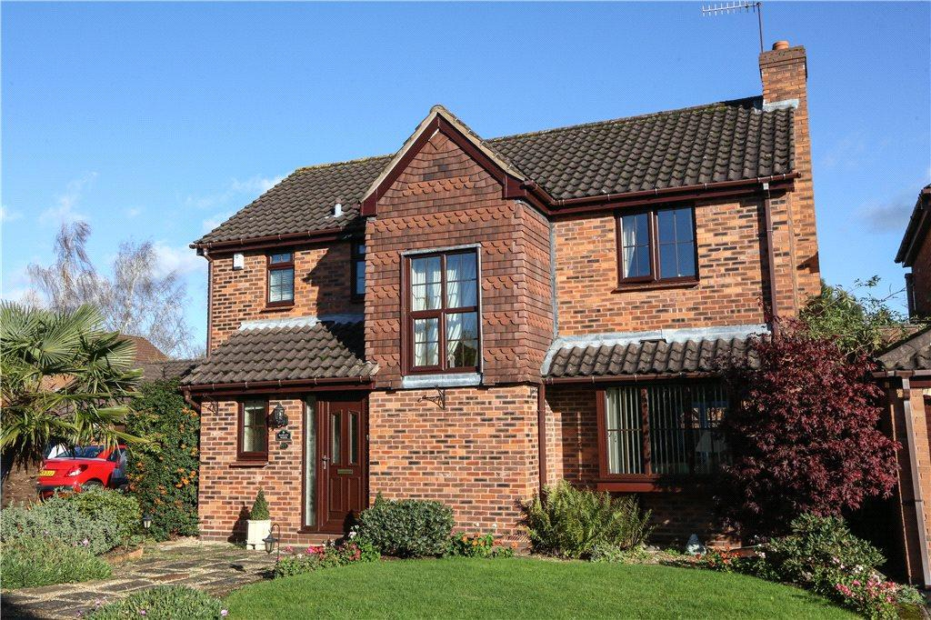 4 Bedrooms Detached House for sale in Planetree Close, Bromsgrove, B60