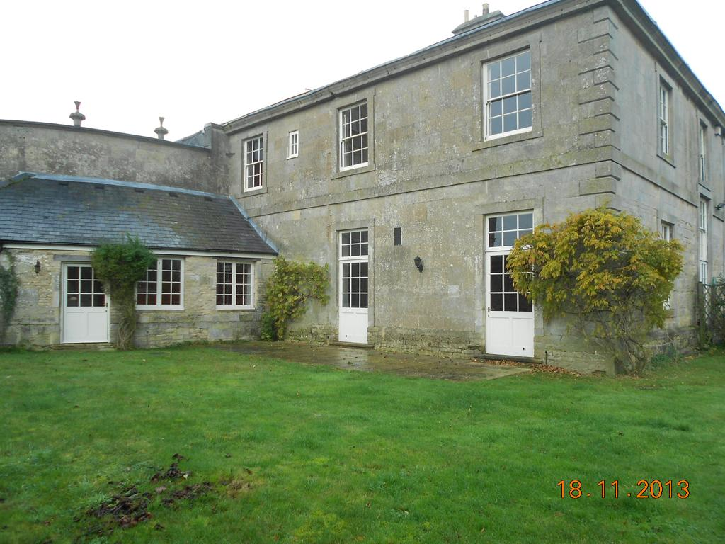 3 Bedrooms Country House Character Property