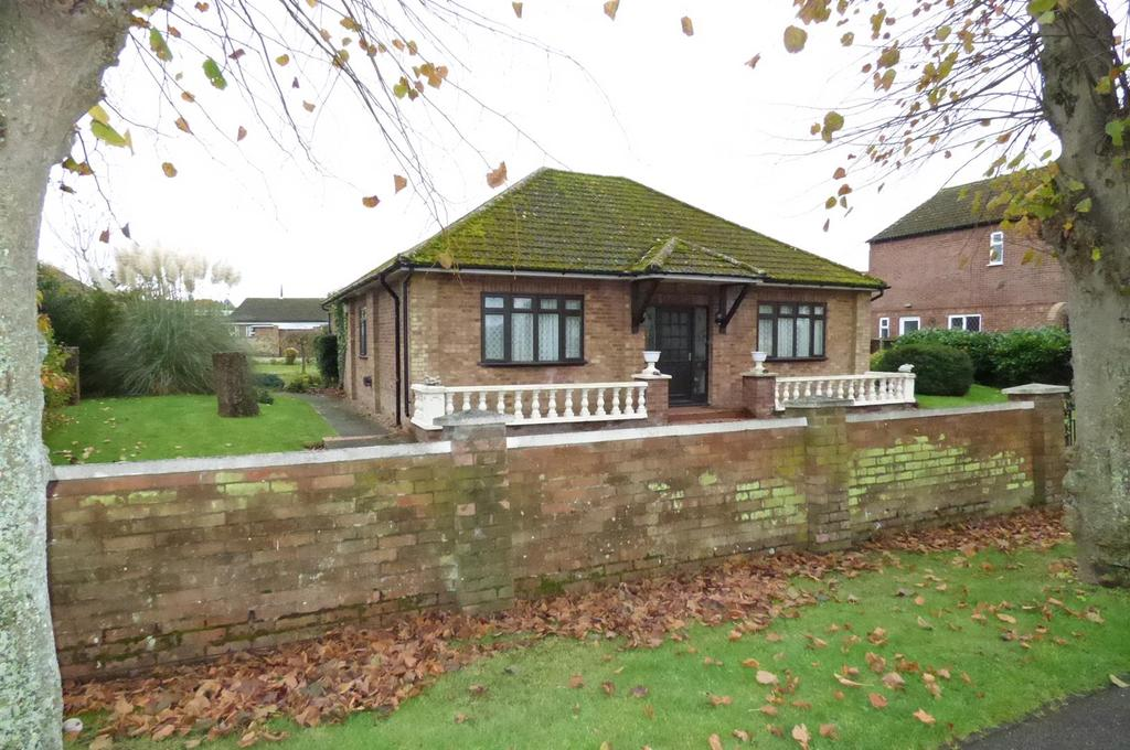 2 Bedrooms Detached Bungalow for sale in Victoria Avenue, Brandon