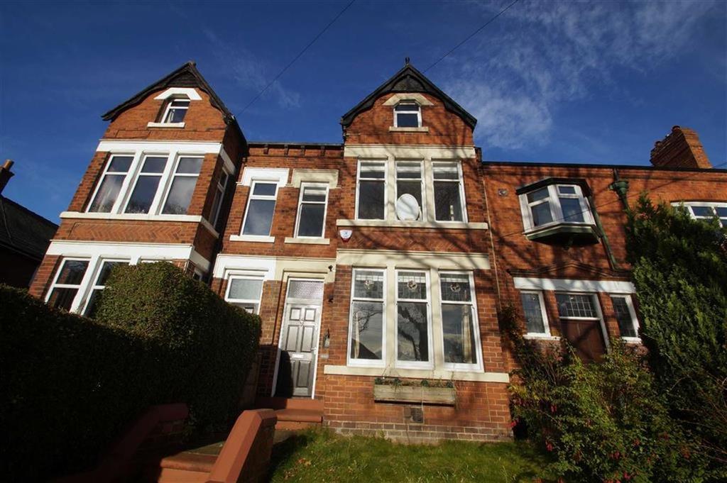4 Bedrooms Terraced House for sale in Green Lane, Leeds
