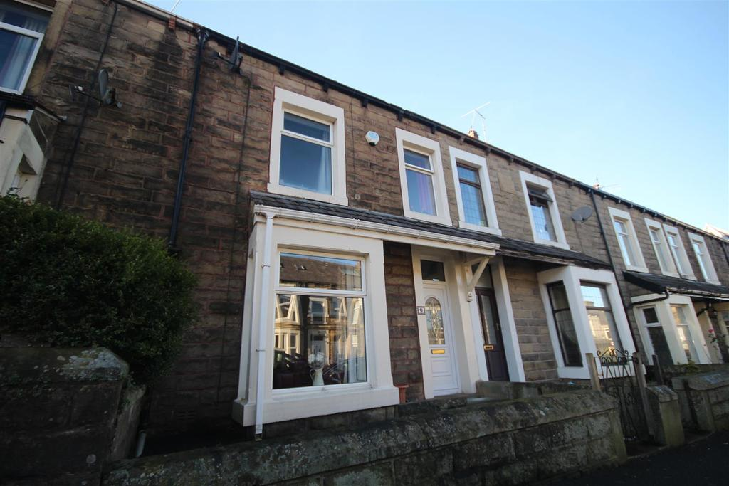 4 Bedrooms Terraced House for sale in 9 Park Road, Barnoldswick