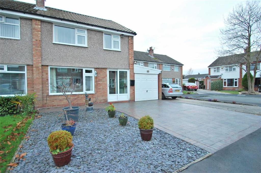 3 Bedrooms Semi Detached House for sale in Tewkesbury Close, Cheadle Hulme, Cheshire