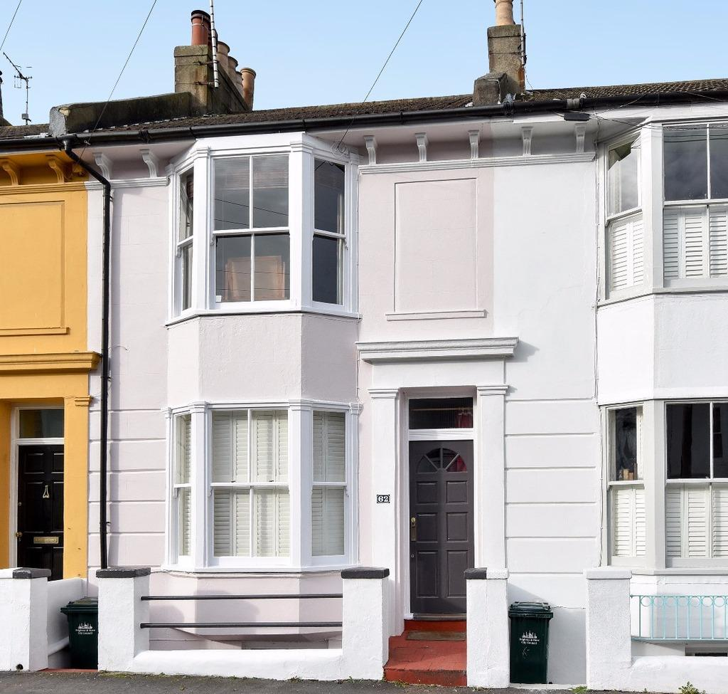 3 Bedrooms Terraced House for sale in Hanover Terrace Brighton BN2