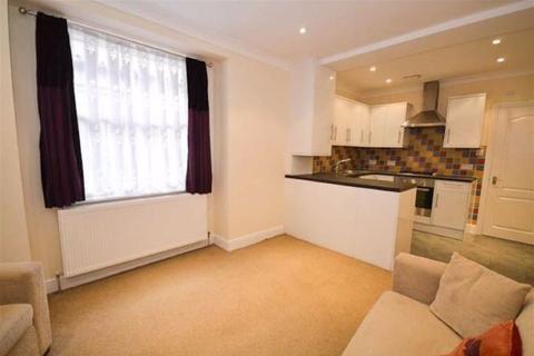 2 bedroom flat for sale - East Barnet Road, New Barnet, Hertfordshire