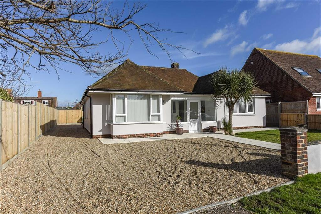 3 Bedrooms Detached Bungalow for sale in Farm Road, Bracklesham Bay, West Sussex