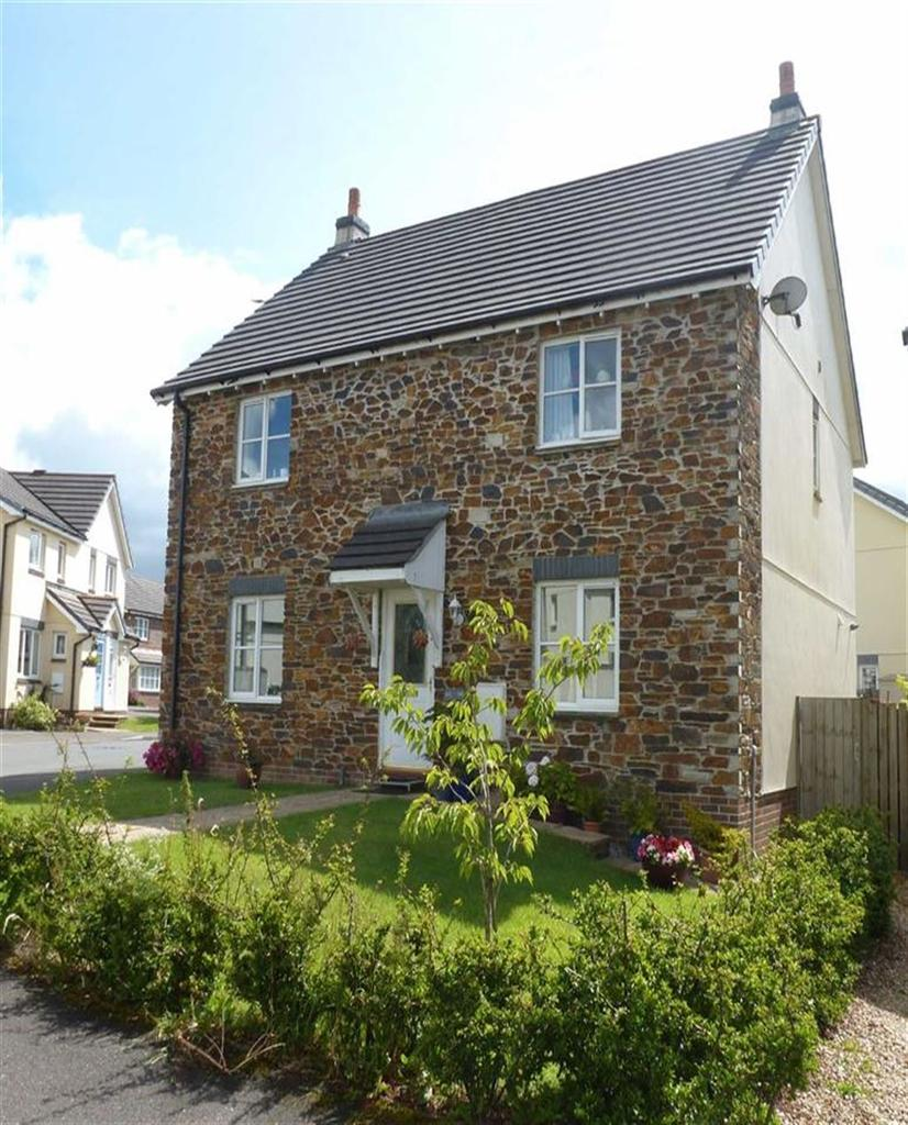 3 Bedrooms Semi Detached House for rent in Launceston, Cornwall, PL15