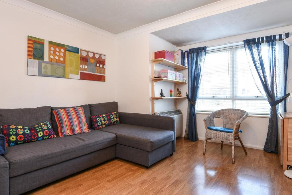 1 Bedroom Flat for sale in Chaucer Drive, Bermondsey