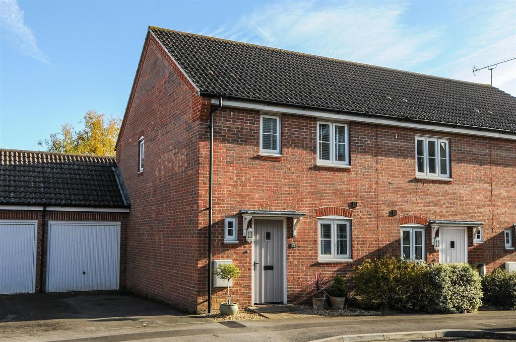 3 Bedrooms End Of Terrace House for sale in Baxendale Road, Chichester