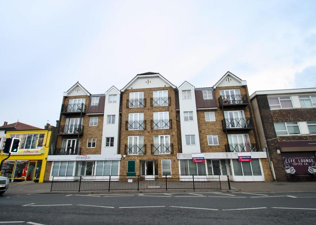 2 Bedrooms Flat for sale in London Road, Westcliff-On-Sea