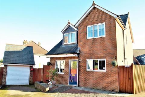 3 bedroom detached house to rent - Marlow Close, Rothwell, Kettering