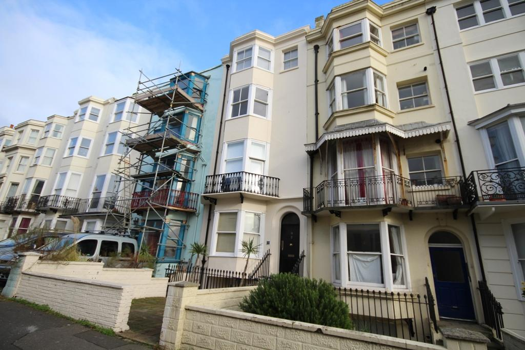 Studio Flat for sale in Lower Rock Gardens, Brighton BN2