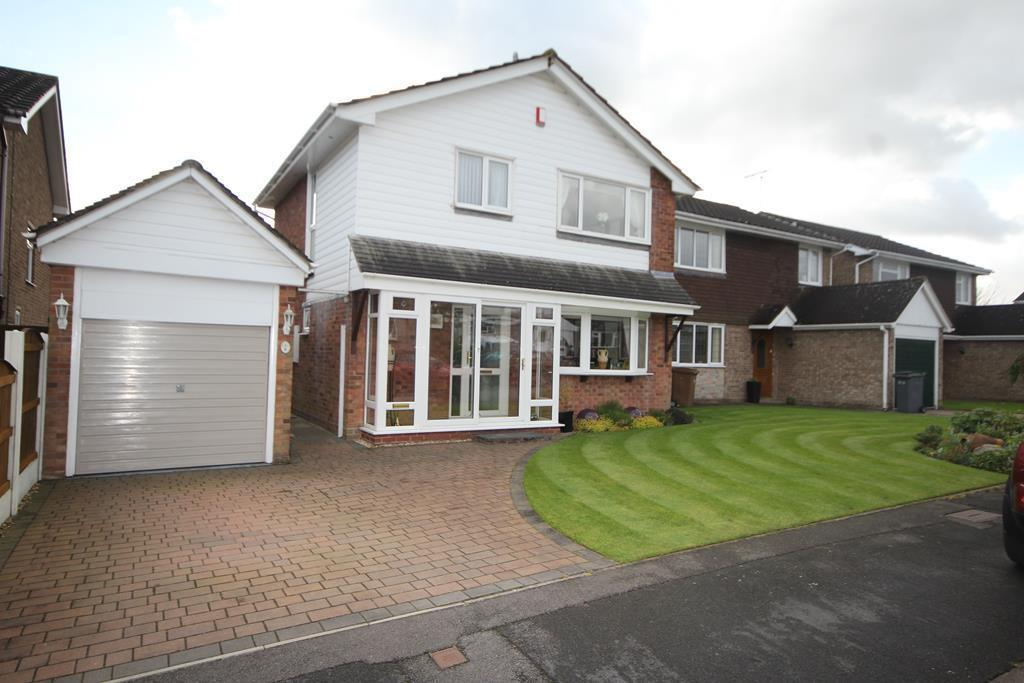3 Bedrooms Detached House for sale in Faceby Grove, Meir Park