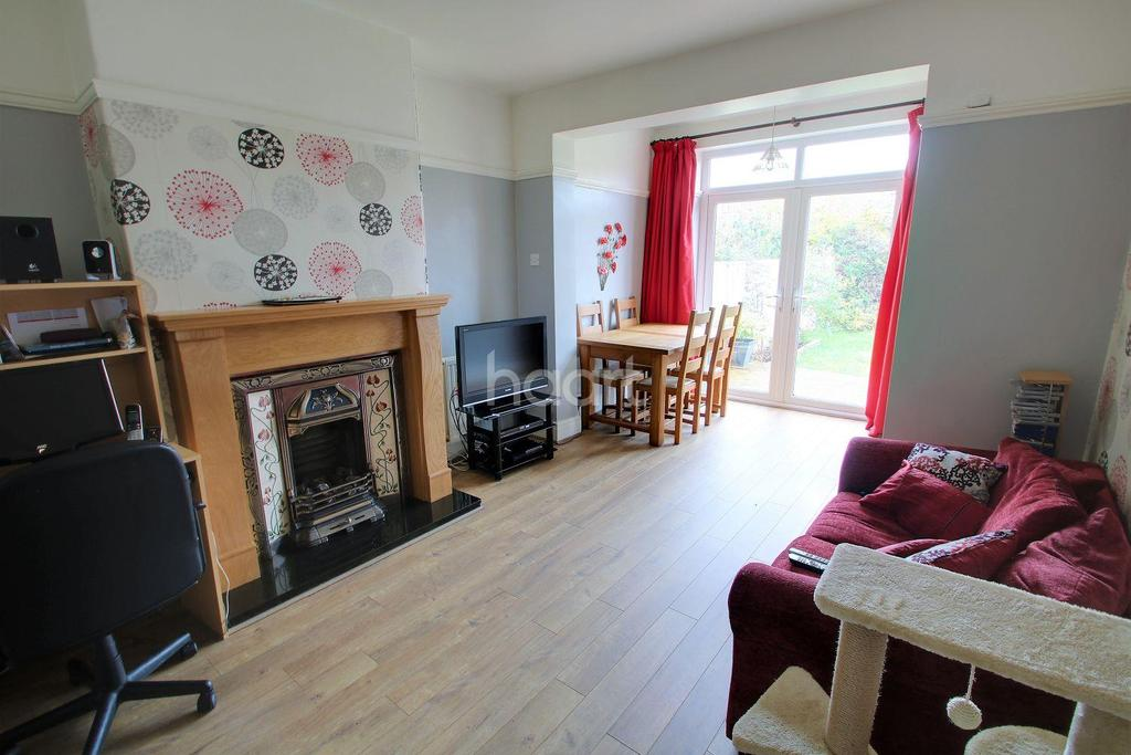 4 Bedrooms Semi Detached House for sale in Milton Road