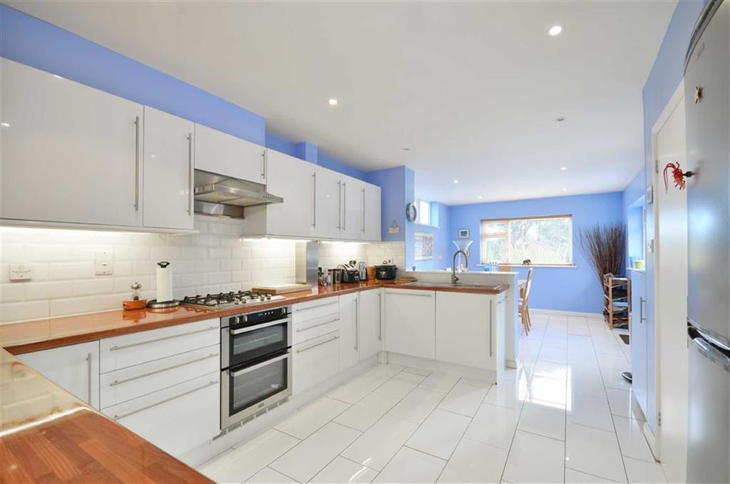 4 Bedrooms Detached House for sale in Shire Lane, Chorleywood, Hertfordshire