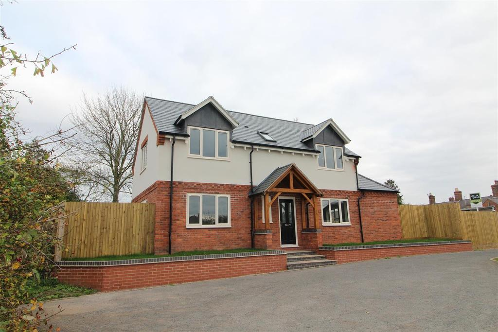 3 Bedrooms Detached House for sale in The Meadows, Hampton View, Welshampton, Nr Ellesmere