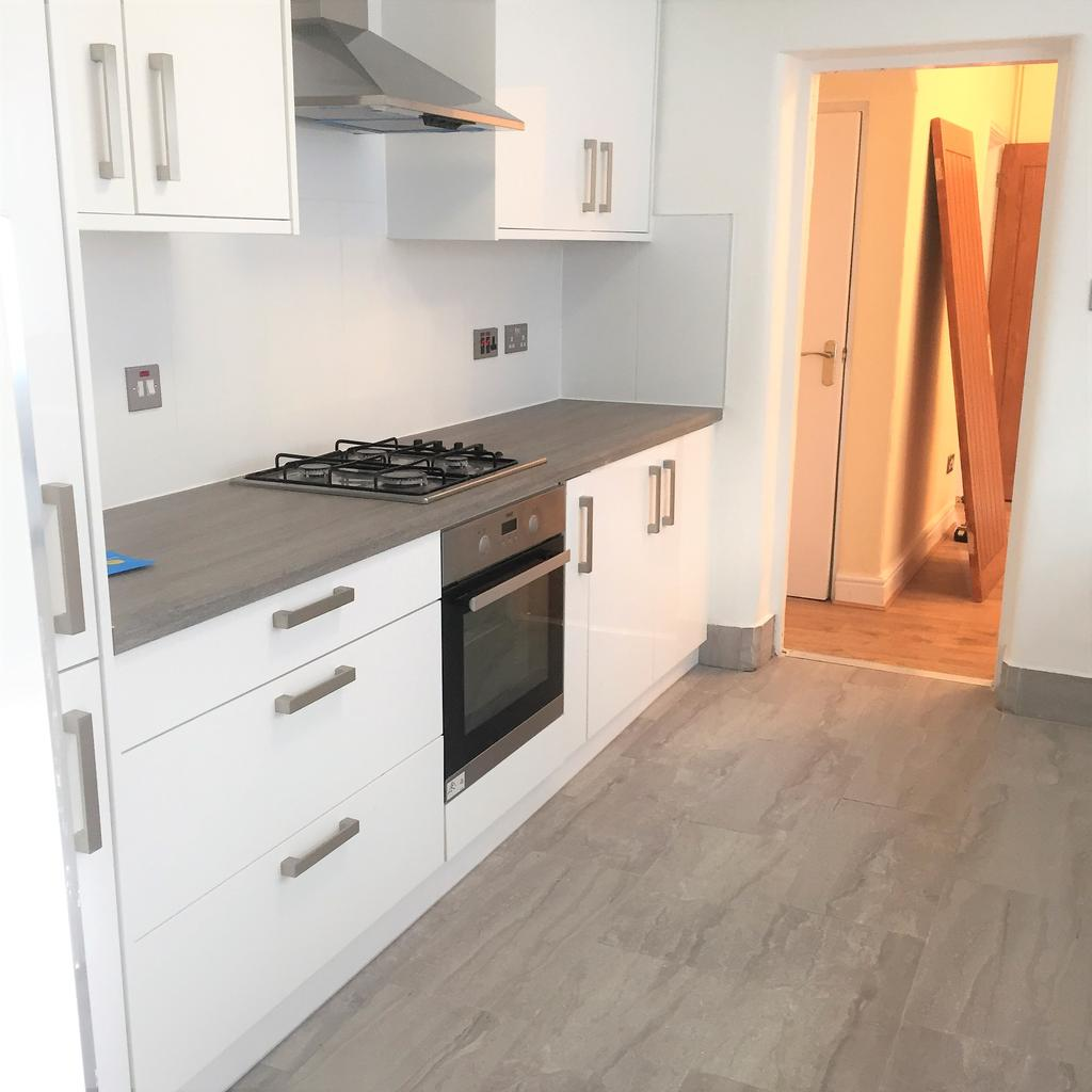 4 Bedrooms House for rent in Norfolk Road , East Ham , London E6