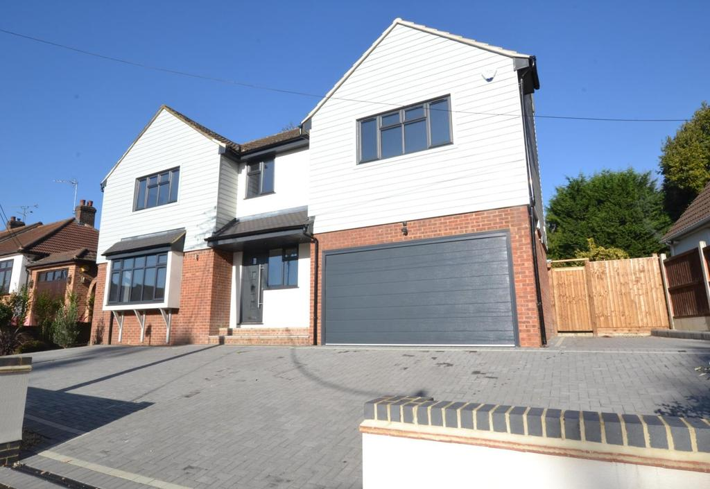 5 Bedrooms Detached House for sale in Crown Road, Billericay, Essex, CM11