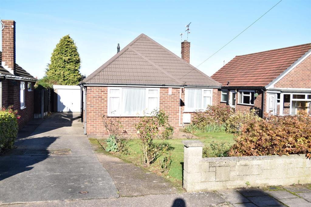 3 Bedrooms Detached Bungalow for sale in Dingley Close, Mansfield Woodhouse