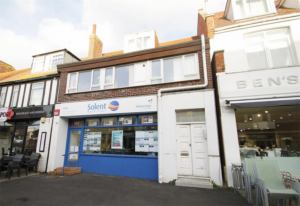 2 Bedrooms Flat for rent in High Street, Lee-on-the-Solent, Hampshire