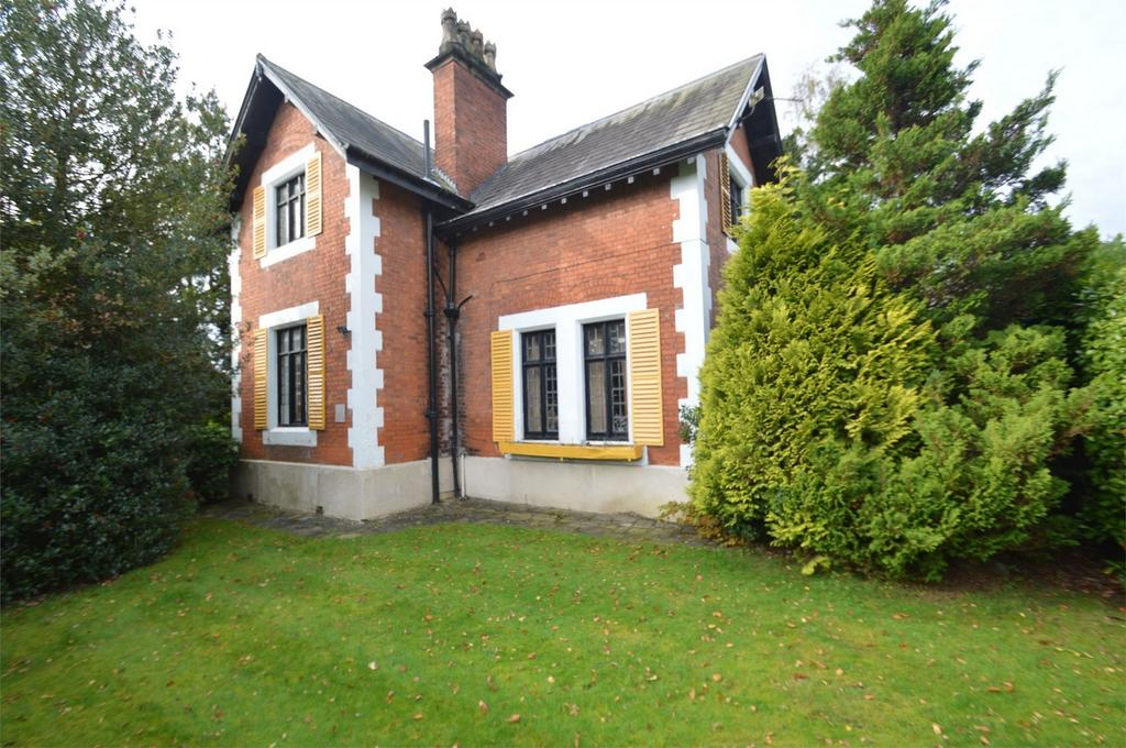 2 Bedrooms Detached House for sale in 'The Lodge' The Avenue, SALE, Cheshire