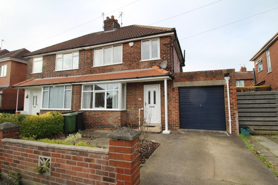 3 Bedrooms Semi Detached House for sale in COLLINGWOOD AVENUE, YORK, YO24 4JY