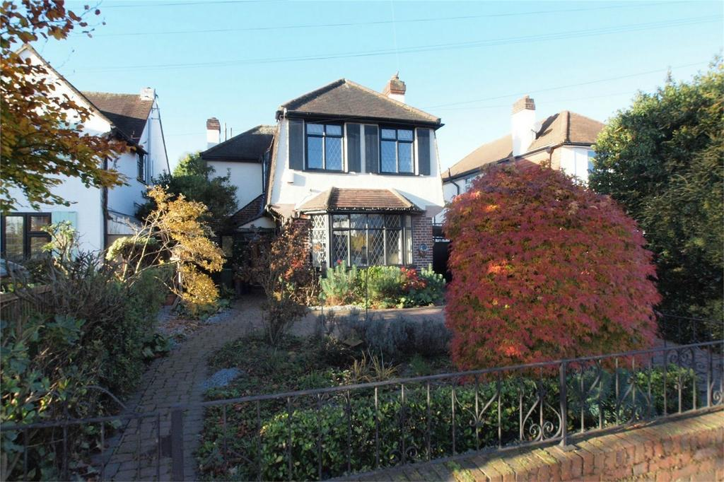 3 Bedrooms Detached House for sale in South Hill Road, Shortlands, Bromley, Kent
