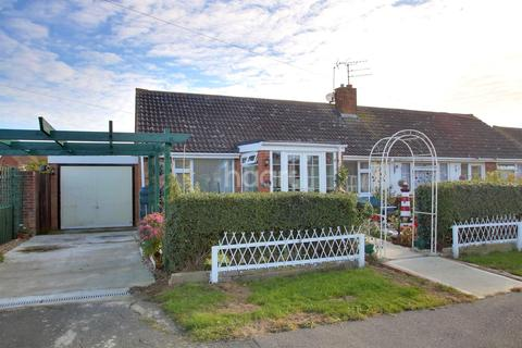 2 bedroom bungalow for sale - Kent Avenue, Minster on Sea