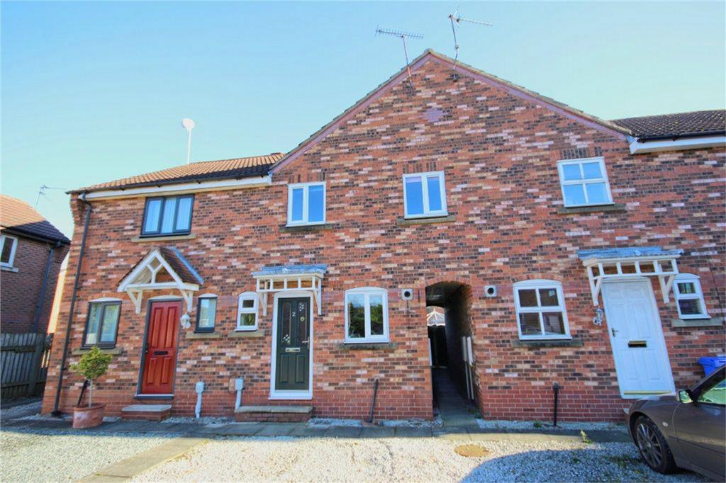 3 Bedrooms Terraced House for sale in Gillyon Close, Beverley, East Riding of Yorkshire