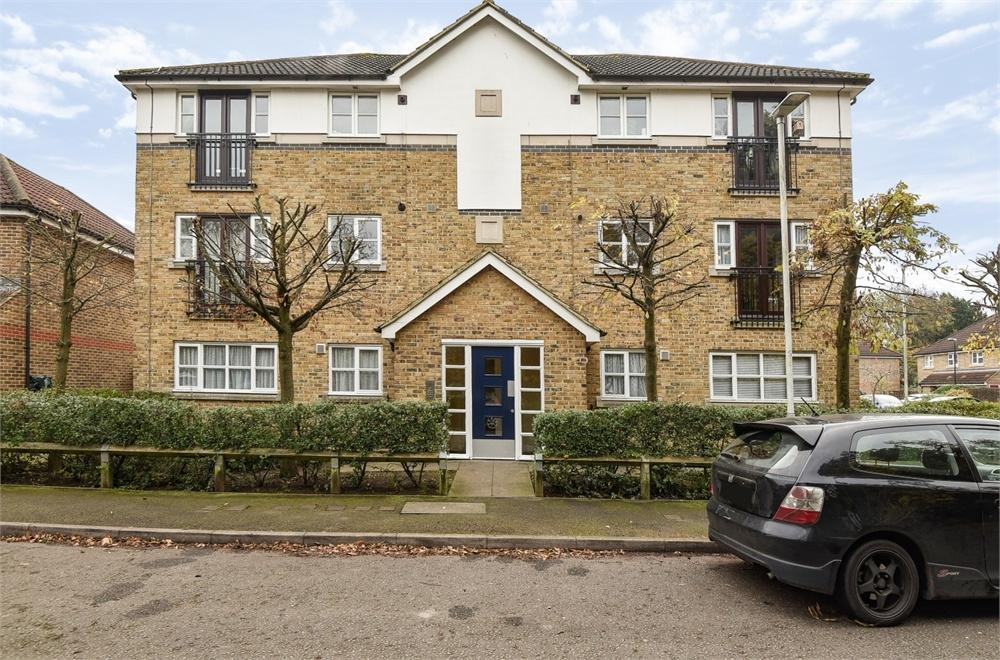 1 Bedroom Flat for sale in Sandalwood Drive, Ruislip, Greater London