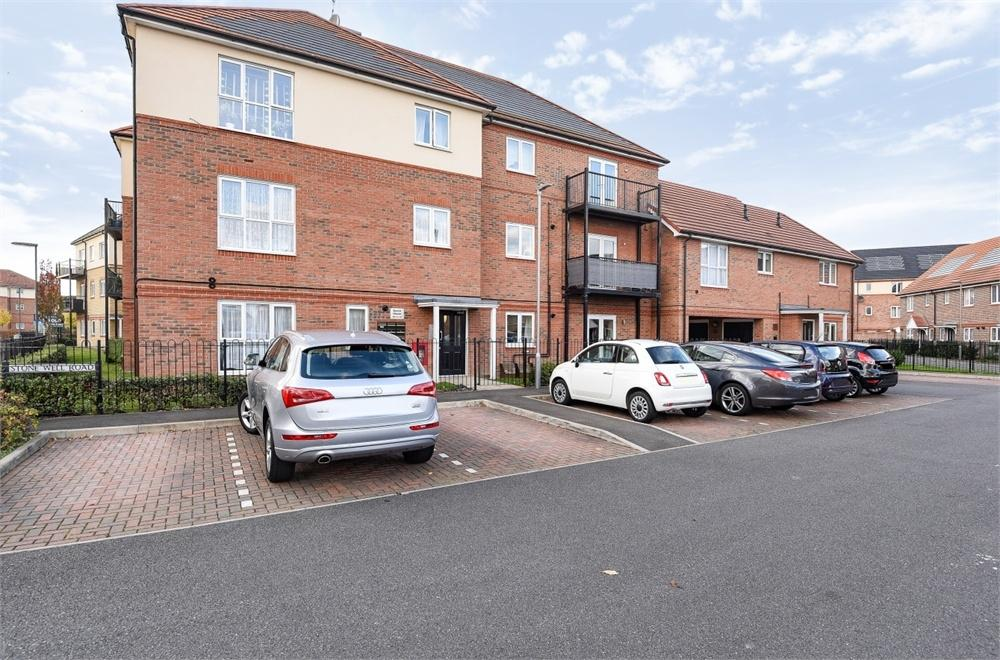 2 Bedrooms Flat for sale in Beech House, 1 Stone Well Road, Staines-upon-Thames, Surrey