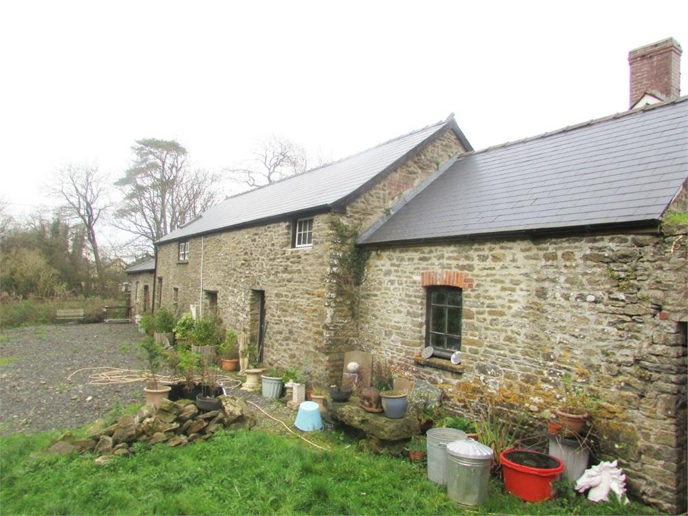 2 Bedrooms Cottage House for sale in Picton Coach House, Llanddowror, St Clears, Carmarthen