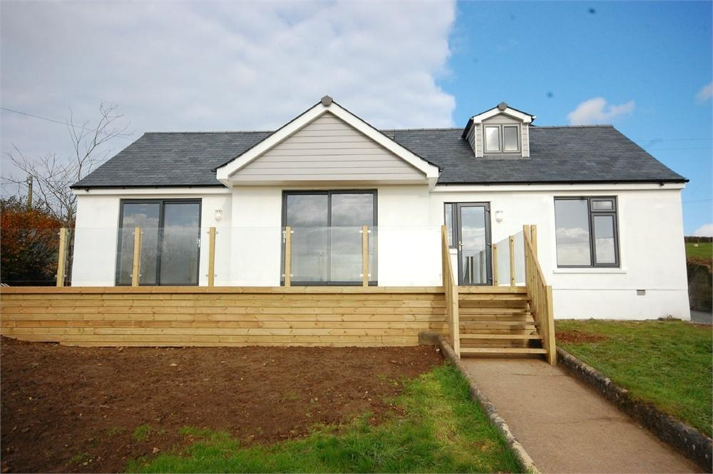4 Bedrooms Detached House for sale in Ventonwyn, Penpillick