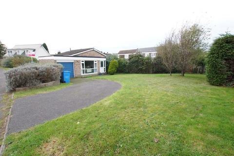 2 bedroom detached bungalow for sale - Broadwater Avenue, Lower Parkstone, Poole