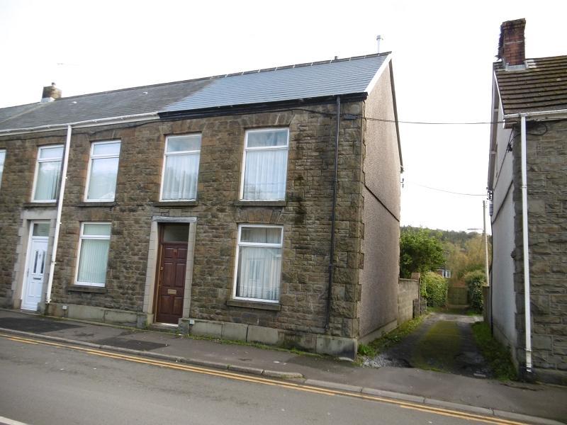 3 Bedrooms End Of Terrace House for sale in High Street, Pontardawe, Swansea.
