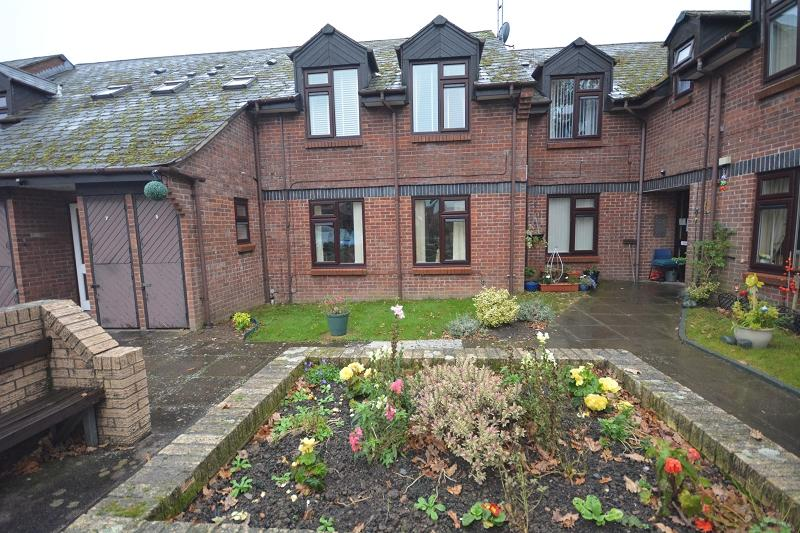2 Bedrooms Sheltered Housing Retirement Property for sale in Ashdown Court, Oakmeadow Close, St Mellons, Cardiff. CF3